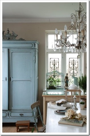 Love the chandelier, but I want to paint my sister's wardrobe like that; it's still at mom & dad's! RF   http://shabbyandcharme.blogspot.com/2010/12/un-cottage-very-shabby.html