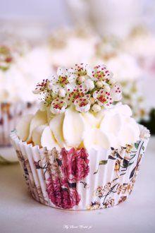 Babeczki z bitą śmietaną i frużeliną cytrynowo-jabłkową