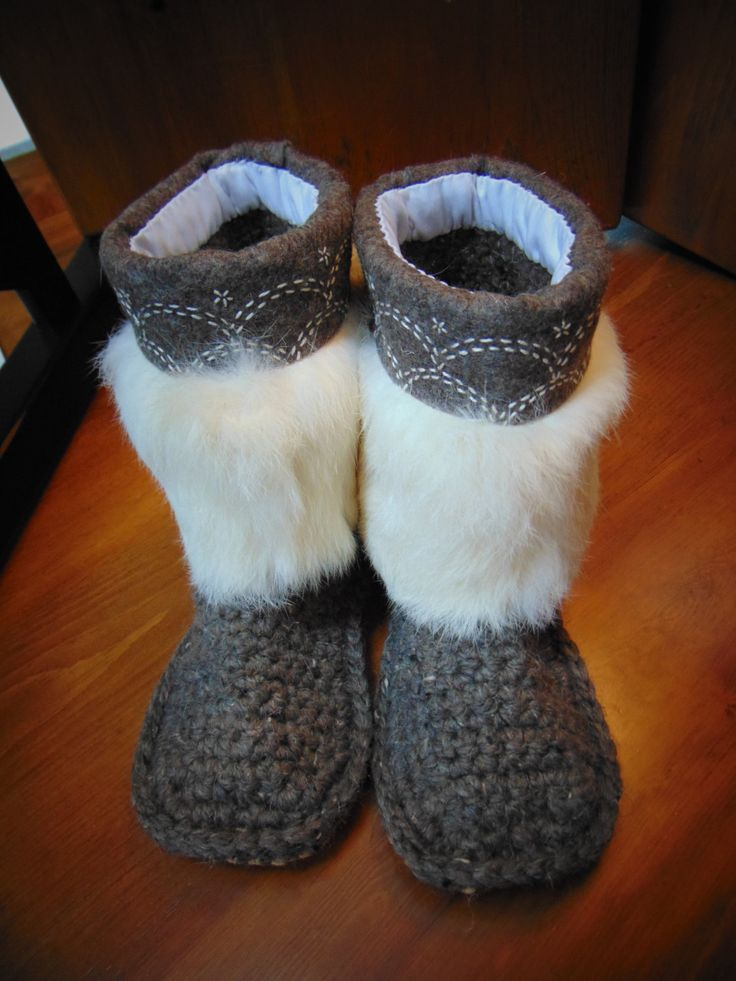 Shortee Mukluk Slippers (brown linen in circles) Size 9 by blinkymuffin on Etsy