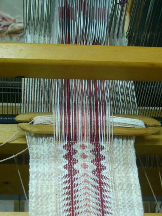 Tablet controlled pattern from Gonit Weaving on Facebook