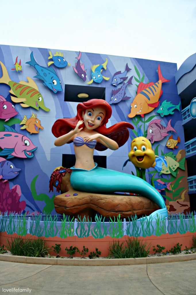 Disney's Art of Animation Resort in photo's-Little Mermaid Area