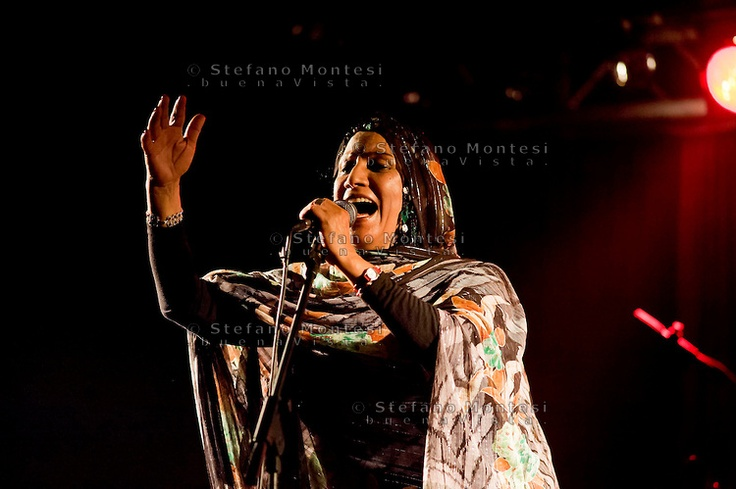 Mariem Hassan, Voce del Sahara e ambasciatrice musicale del popolo Saharawi, pioniera del desert blues in concerto al Mojo Station Blues Festival.br / Saharawis Mariem Hassans songs tell of the stories of the people of the Western Sahara  at the Mojo Station Blues Festival.