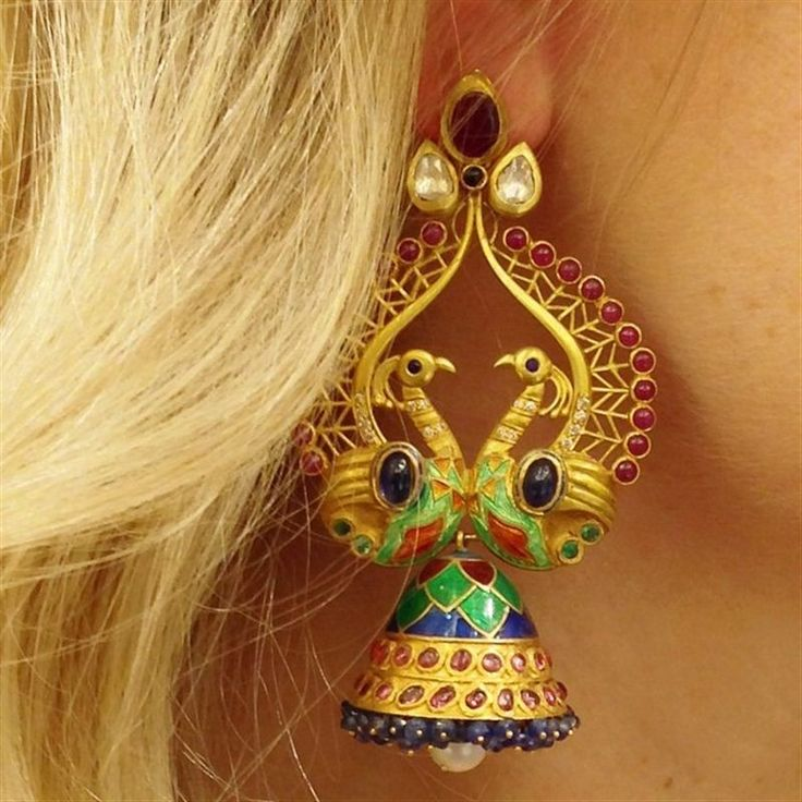 Another beautiful peacock design from Amrapali - these earrings made us fall in love with them instantly. #LoveGold