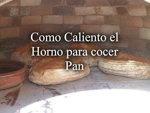 Calentando el Horno de Leña Para cocer Pan