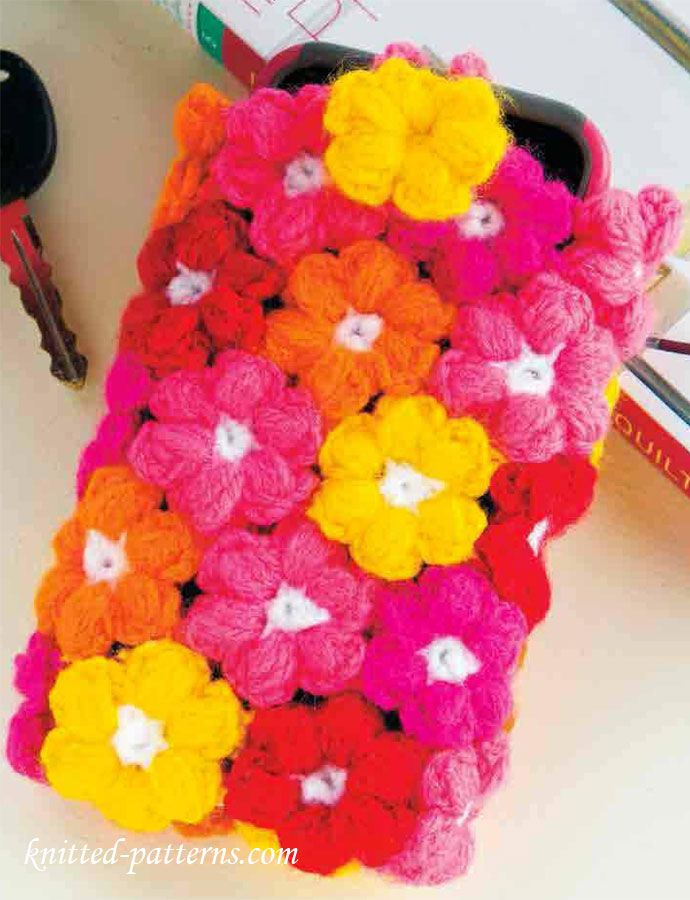 Free Crochet Phone Cozy Pattern at knitted-patterns.com. Flowered phone cozy.