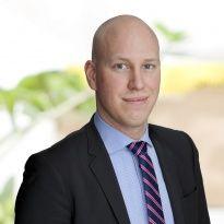 Hej jag heter Andreas Pettersson och jobbar som mäklare på Notar Bromma & Spånga. Andra områden jag är proffs på är Ekerö med omnejd.
