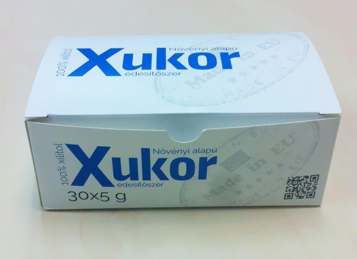 Xukor (xilit, nyírfacukor, xylit) 30x5 g - Ízében és kinézetében hasonlít (fehér színű, kristályos állagú, hasonló édesítőerő) a hagyományos cukorhoz, de sokkal egészségesebb, és mellékíze sincs. Jóval alacsonyabb energiatartalma és szénhidráttartalma miatt beilleszthető bármely testsúlycsökkentő diétába, és cukorbetegek, paleózók is biztonságosan használhatják.
