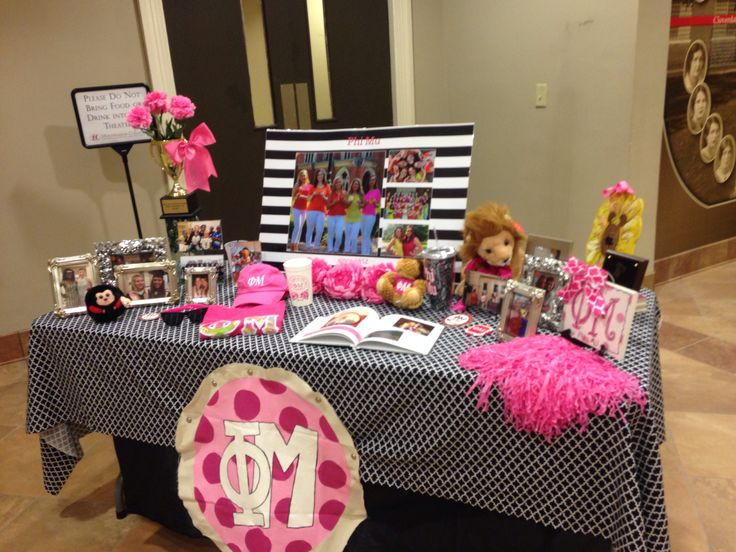 phi mu at huntingdon college  recruitment table  simple  cute  and not overwhelming  proud