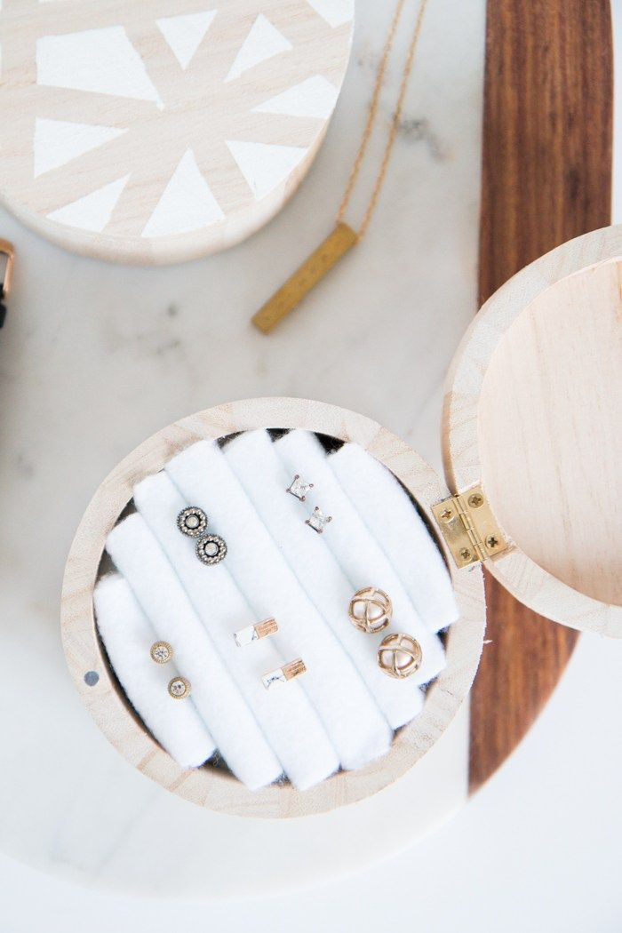 If there's one thing I love, it's cute jewelry to accent my outfits! The problem is that I always tend to lose my smaller pieces of jewelry, since I don't have a proper place to keep them. If you have the same problem, then today's DIY project is perfect for you because we're making a...