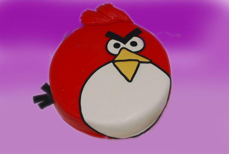 ANGRY BIRD er komemt for å bli? De populære fuglene er også å finne som kaker.  Kan lages både som sjokoladekake og marsipanbløtkake. Ta kontakt for mer info på post@bellakaker.no eller ta en titt på websiden min www.bellakaker.no