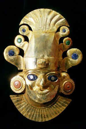 Inca Mask. With ornaments in the head, made of copper with gold layer of 18K.