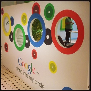 """""""Hanging Out"""" with Google!"""