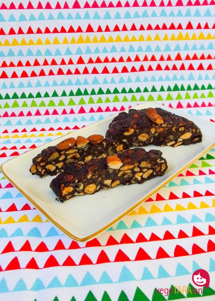 Christmas baking: pan pepato - vegeTARAian