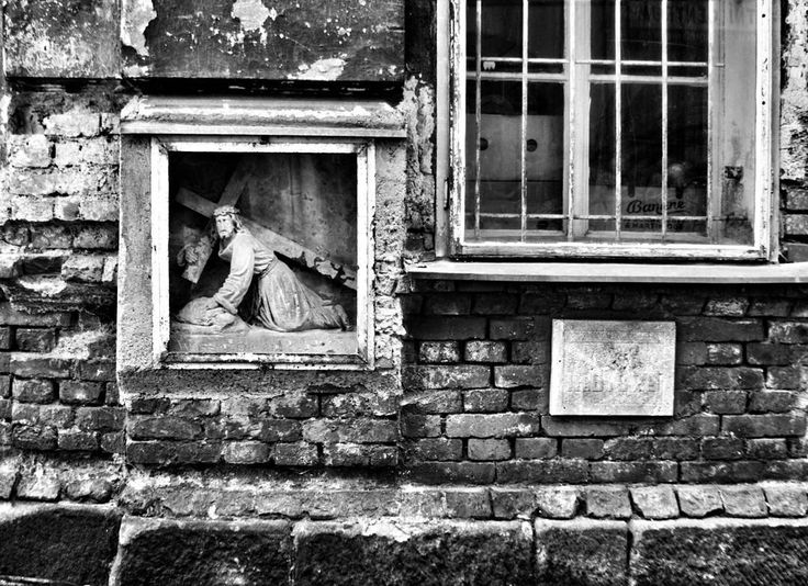 #blackandwhite #blackandwhitephotography #citylife #city #christianity #christ #viadolorosa #kriz #kristus #krizovacesta #broumov #igraczech #igers #igerscz #instaczech #instadialy #czech_world #czech_insta #czechrepublic #czech #sudetenland #sudety