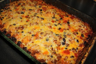 A super quick and inexpensive meal that was yummy reheated .... both kids ate it which is shocking!!! I will make it again. :) jenn   BUBBLE UP ENCHILADA CASSEROLE  slightly adapted from Emily Bites  Servings: 6  Points+: 9 WW