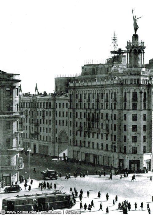 Пушкинская площадь,1943 год