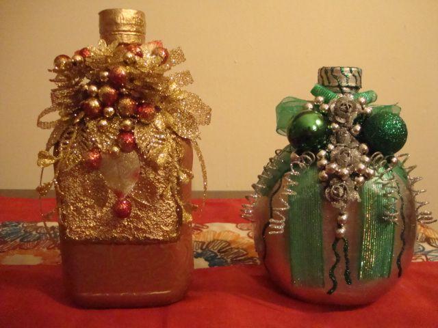 Botellas recicladas....hacen preciosos adornos Navidenos!!!