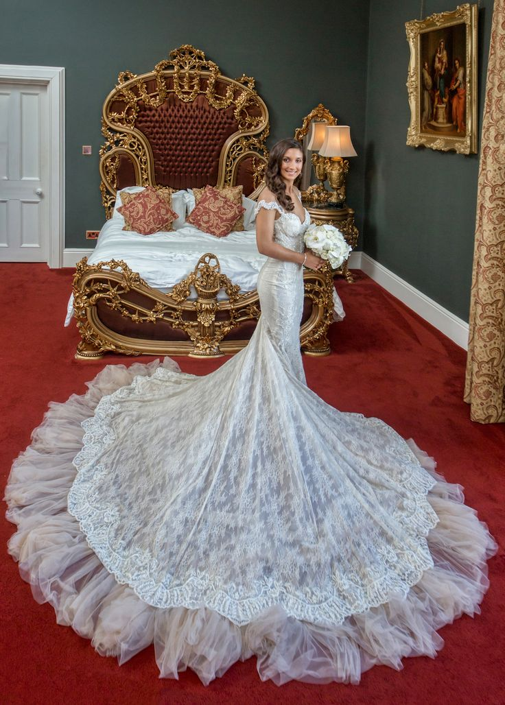 Pinterestteki 25den fazla en iyi Extravagant wedding dresses