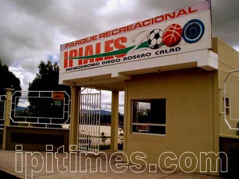IPIALES, NARIÑO, COLOMBIA | Patinódromo Diego Rosero Cálad de Ipiales. Parque recreacional. Foto por Artur Coral. /www.ipitimes.com®/ IPIALES. 10 de enero de ©2006.
