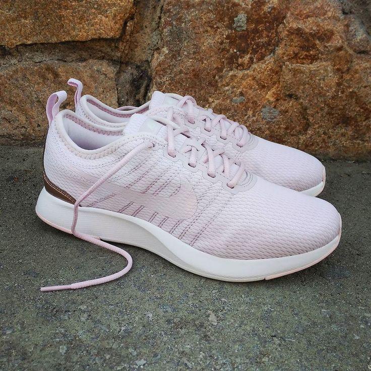 Nike Dualtone Racer GS Pink  Size Wmns - Precio: 6990 (Spain Envíos Gratis a Partir de 99) http://ift.tt/1iZuQ2v  #loversneakers #sneakerheads #sneakers  #kicks #zapatillas #kicksonfire #kickstagram #sneakerfreaker #nicekicks #thesneakersbox  #snkrfrkr #sneakercollector #shoeporn #igsneskercommunity #sneakernews #solecollector #wdywt #womft #sneakeraddict #kotd #smyfh #hypebeast #nike