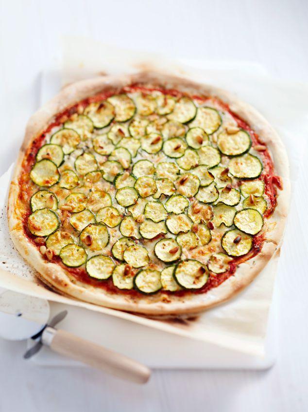 homemade pizza zucchini   ZTRDG magazine