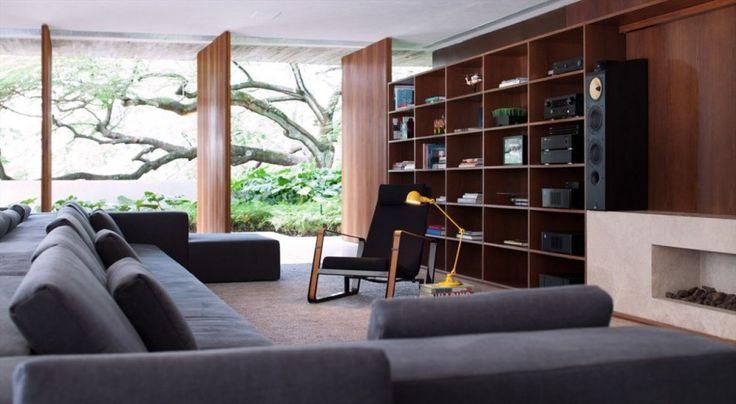 Marcio Kogan's StudioMK27 designed the Ipês house in São Paulo, Brazil.