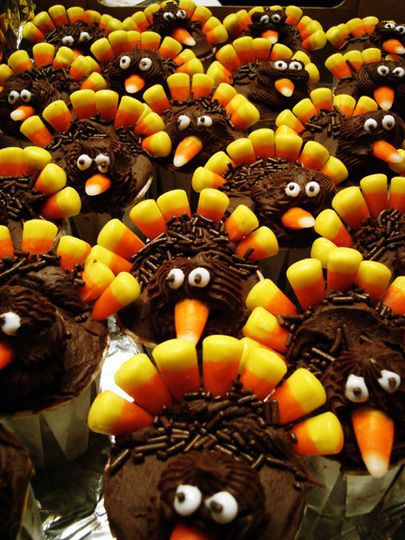 Cute turkey cupcakes... great for class party