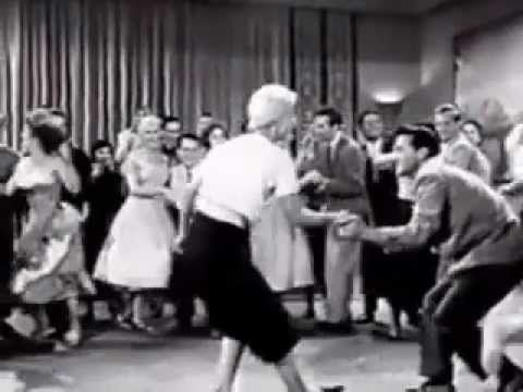 Rock & Roll 50's Mix - YouTube. Video que demuestra la forma en cómo se bailaba el rock and roll en la época de los 60´s
