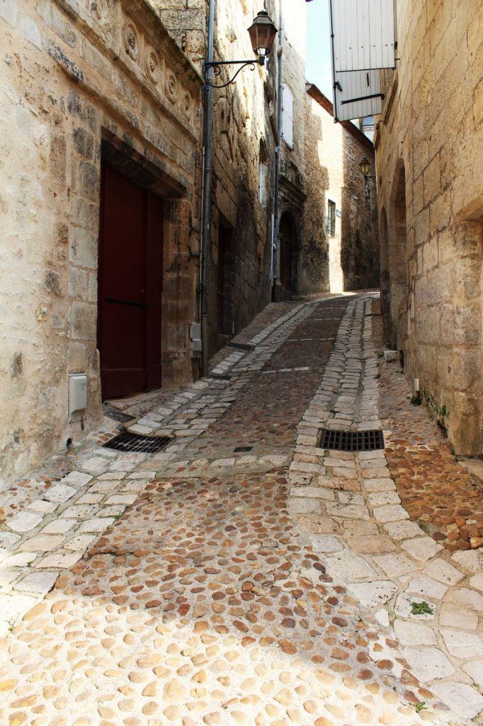 Périgueux et sa vieille ville Périgord - Dordogne - Médiéval  www.guide-du-perigord.com