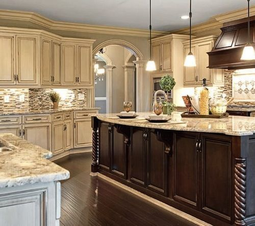 Cream Kitchen Doors: Best 25+ Cream Kitchen Cabinets Ideas On Pinterest