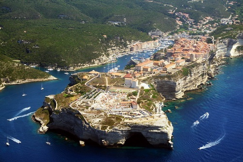 The Most Impressive City On The Cliffs_8