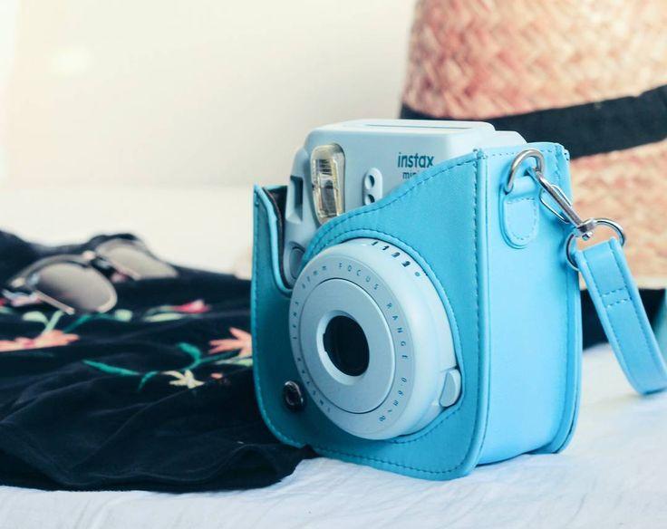 Een bijpassend hoesje voor je Instax mini is niet alleen handig, maar ook leuk om bij je te hebben. #HEMA #Instax #foto