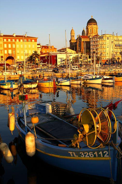 Le Port de Saint-Raphaël, Cote d'Azur, France.