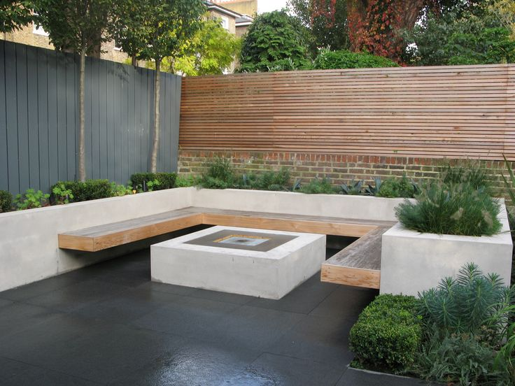 Horizontal Fence + Raised Bed, Built In Bench And Fire Pit