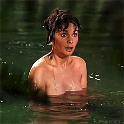 Jean Simmons doesn´t mind Kirk Douglas interrupting her bathing in Spartacus, Stanley Kubrick, 1960