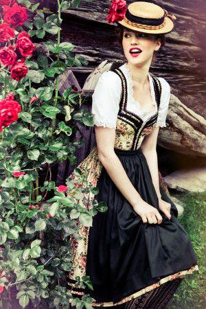 Or maybe I'll wear a hat? Lena Hoschek Dirndl im Blumendessin