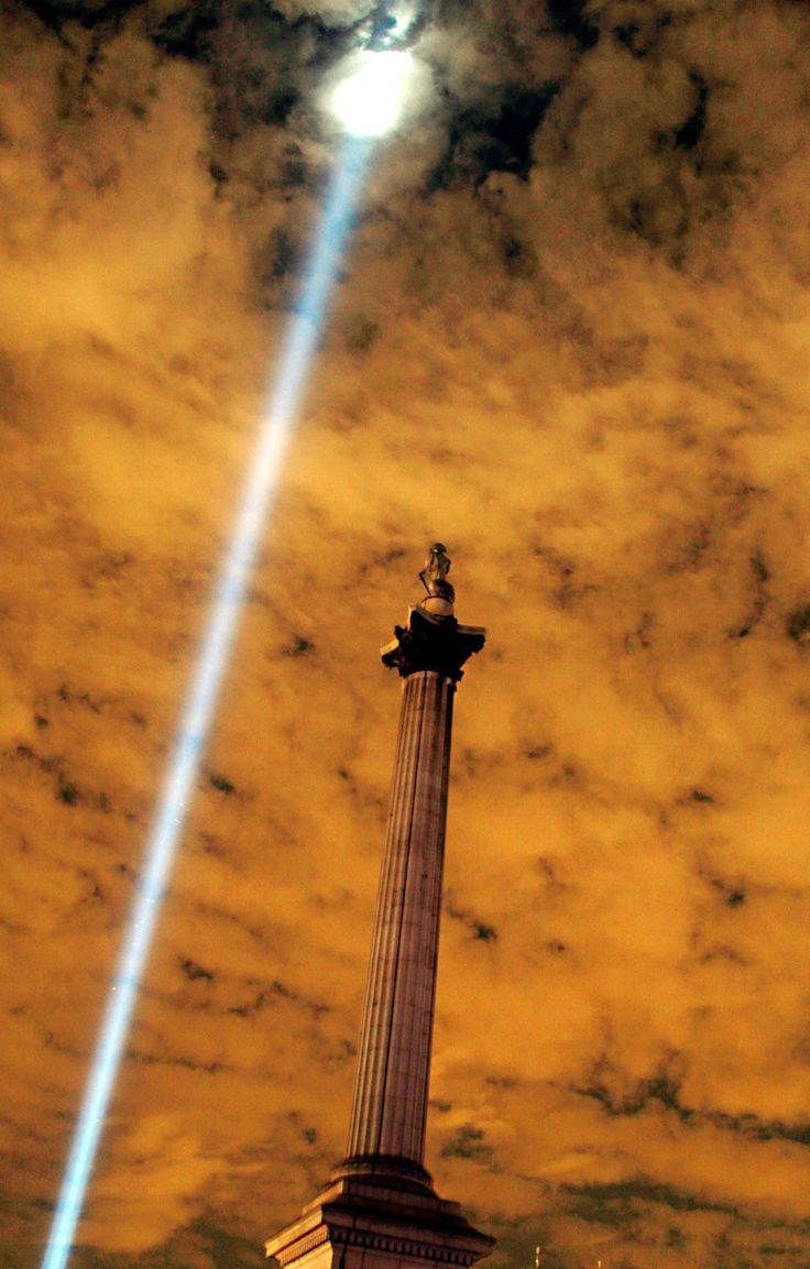 Spine-Tingling Photos Of London As It Remembers World War I