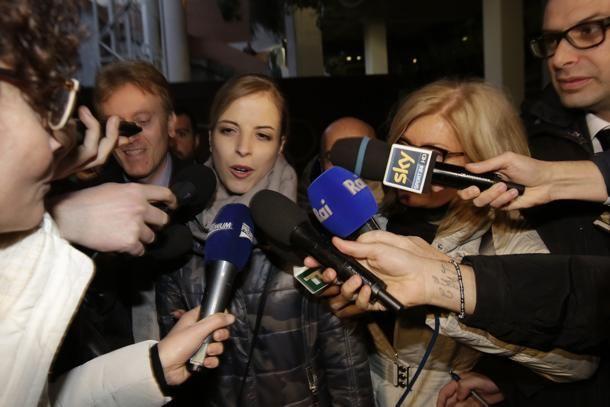 #CarolinaKostner esce dall'aula dopo la sentenza sul caso #Schwazer