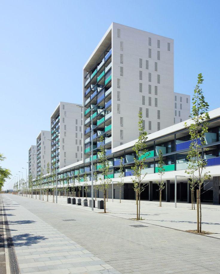 Vilamarina Building / Batlle i Roig Arquitectes