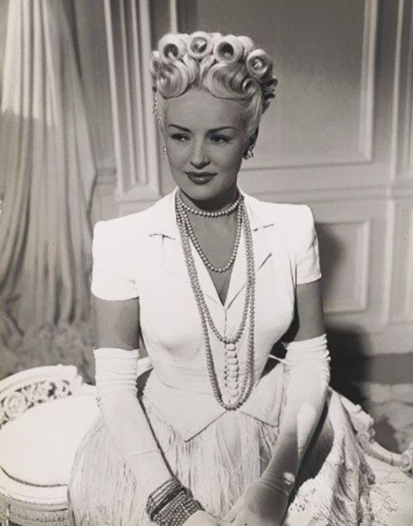 betty grable 1946 vintage extravaganza pinterest beautiful wells and hairstyles. Black Bedroom Furniture Sets. Home Design Ideas