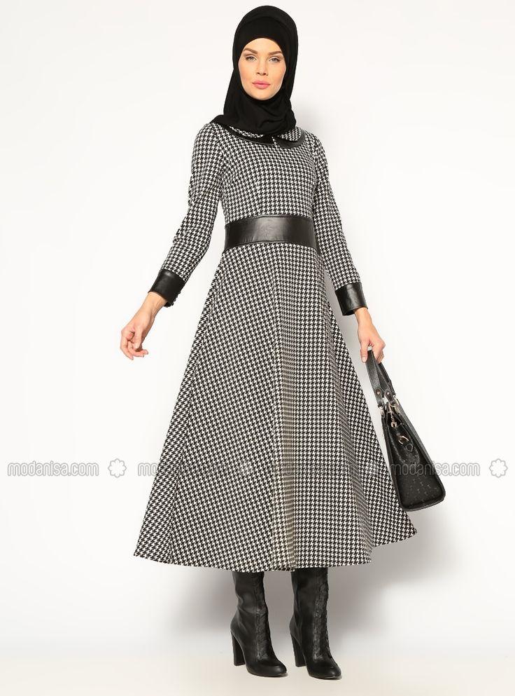 Kazayağı Desenli Elbise - Siyah - Beha Tesettür
