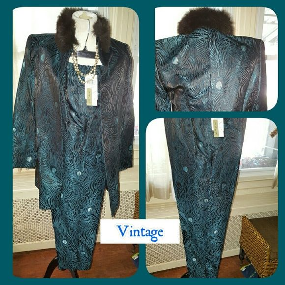 VTG Dana Buchman peacock suit 8 I bought this and never wore it. Tags are still attached to Pants and Jacket. The jacket and pants are size 8. Measurements are as follows. Pants have a 15 inch waist, approximately 29 inseam and 42 inches long measured from waist. Jacket is 15 inches shoulder to shoulder , 17 inches pit to pit, 29 inches long with 20 inch sleeves. It looked fine on me even though jacket is pet. Color is detachable. No low balls please. This is the original high-end Dana…