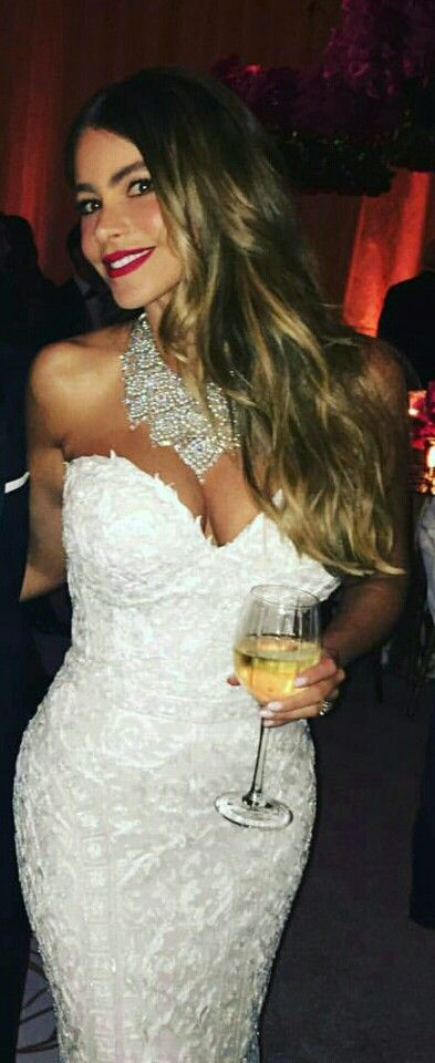 Sofia Vergara.  Wedding dress. Without first skirt. Design by Zuhair Murad.