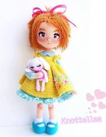 örgüden yapılmış oyuncak bebek