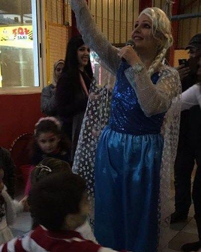 "Special Birthday parties with affordable budgets without high budget plans.. Happy Birthday ""Sweet Horiya"" #sweet #little #girl #frozen #Elsa #birthday #celebration #fun #games #dadydaughter #eventesiagroupco #pizzaNapoli http://misstagram.com/ipost/1553759320334927796/?code=BWQD96jBAe0"