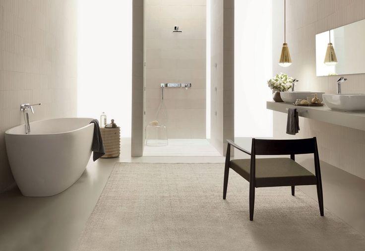 La bellezza di un bagno risiede nei suoi dettagli. Ecco la delicatezza accattivante dei rubinetti Fantini della linea Levante,  tutta da ammirare nei nostri showroom.