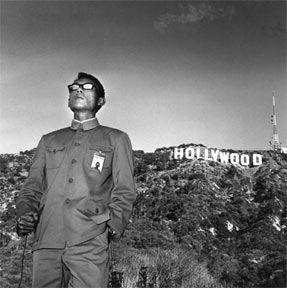 Tseng Kwong Chi — Hollywood Hills, California, 1979