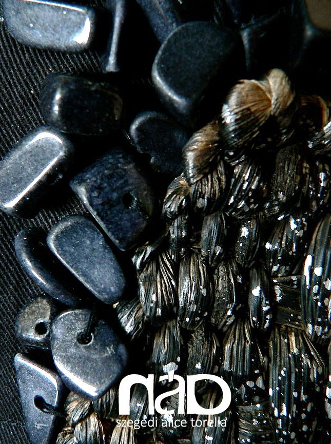 Onyx & reed - Rustic luxury  #organic #design #fashion #reed #onyx #szegeditorella   http://pavafeszek.blogspot.hu/2009/10/aramlat-flow.html