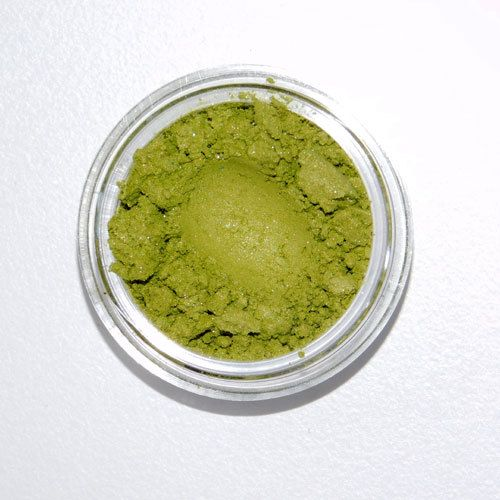 Clay Mineral Eye Shadow- APPLE GREEN - Zephyr Creative Apple green is a #warm bright green with a gold shimmer, reminiscent of a fresh green apple. Its formulation includes intense colour pigments, so a little goes a long way. It also contains #clay which provides exceptional staying power and durability. Once applied, this eye shadow will not budge, smudge, or crease making it perfect for ALL DAY wear. #zccosmetics #vegan #allnatural #applegreen