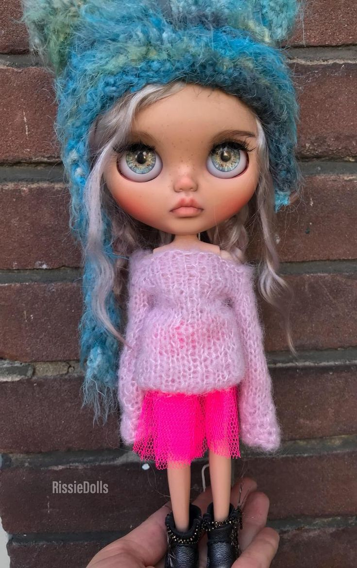 Ooak custom Blythe doll, blond/pink weft mohair, tan skin color, Customized by rissiedolls